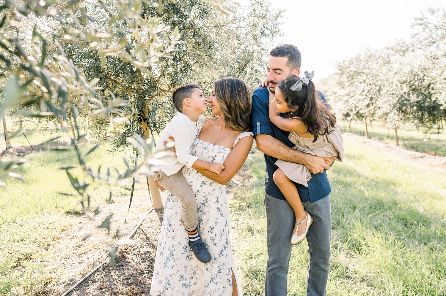 beautiful family photo session, spring family photo session, olive grove pictures, Rya Duncklee
